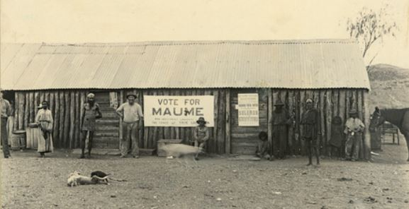 Aboriginal votes are solicited in 1896 at the Arltunga Reserve in the North Territory. (Photo: Trove.com.au)