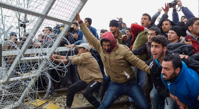 migrants fence